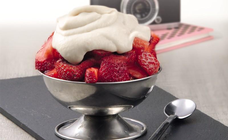 receta de postre con fresas y nata