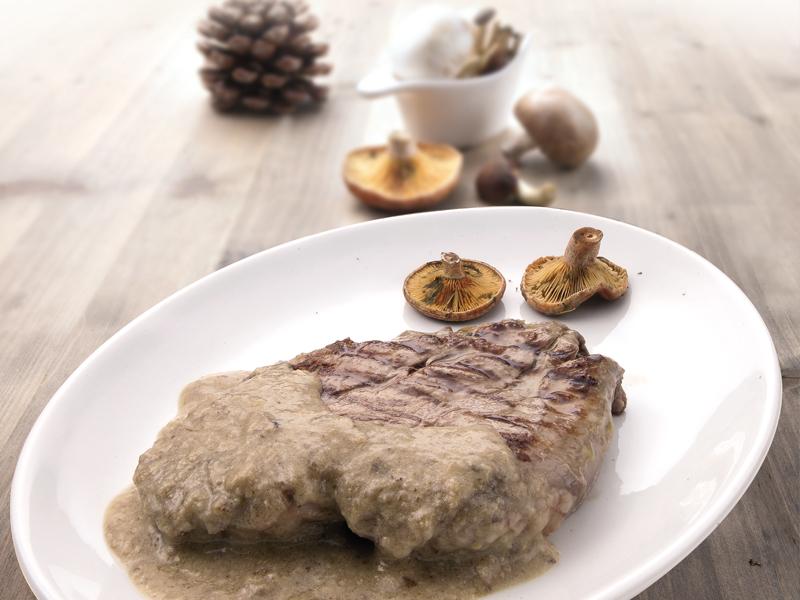 Filete de Buey con salsa de boletus y foie