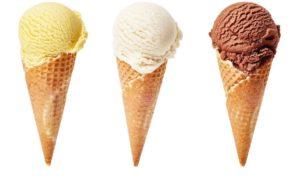 helados de vainila, chocolate y nata