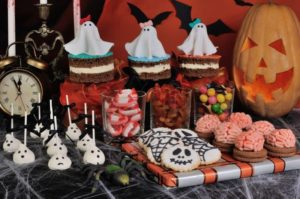 escaparate de pasteleria por halloween