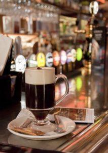 café irlandés con nata en spray Ken